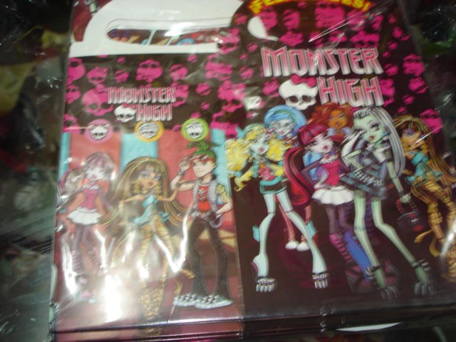 Lonchera de Monster High